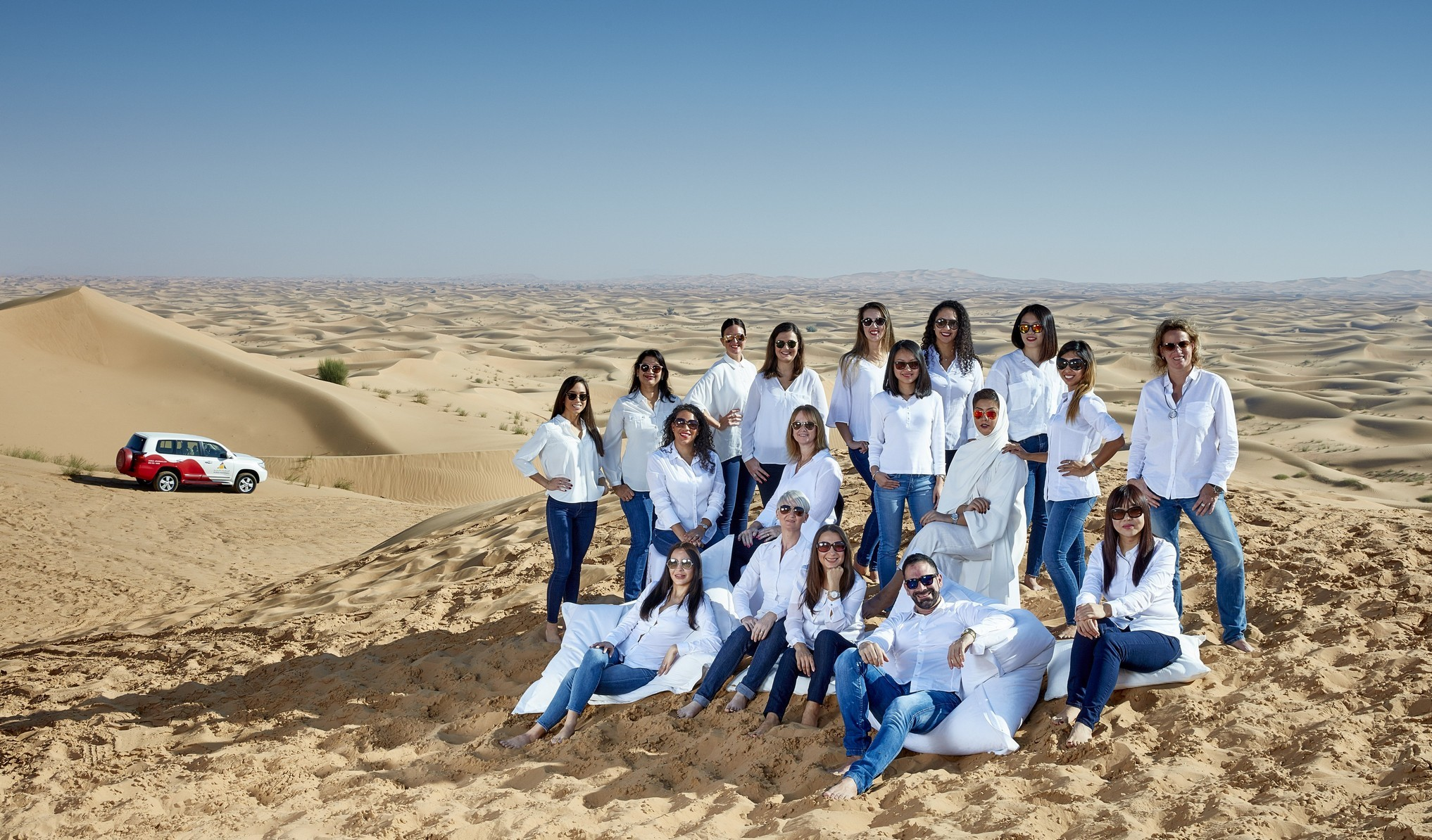 AA Group Shot 2016 ARABIAN ADVENTURES GS_Sunglasses